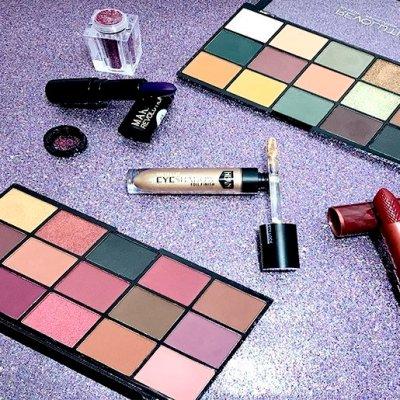 Paletas Makeup Revolution, Hean y algo más con Maquillaje Club