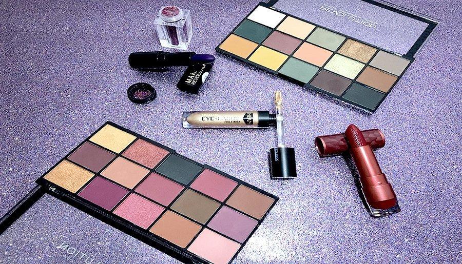labial morado makeup revolution foil finish hean labial rojo dragons blood revolution beauty re loaded maquillaje club 7