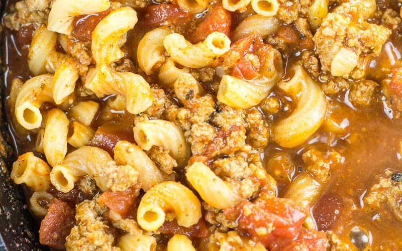 This Easy Cheesy Chili Mac is the perfect one pan, 30 minute meal! An easy family friendly dinner perfect for busy weeknights!