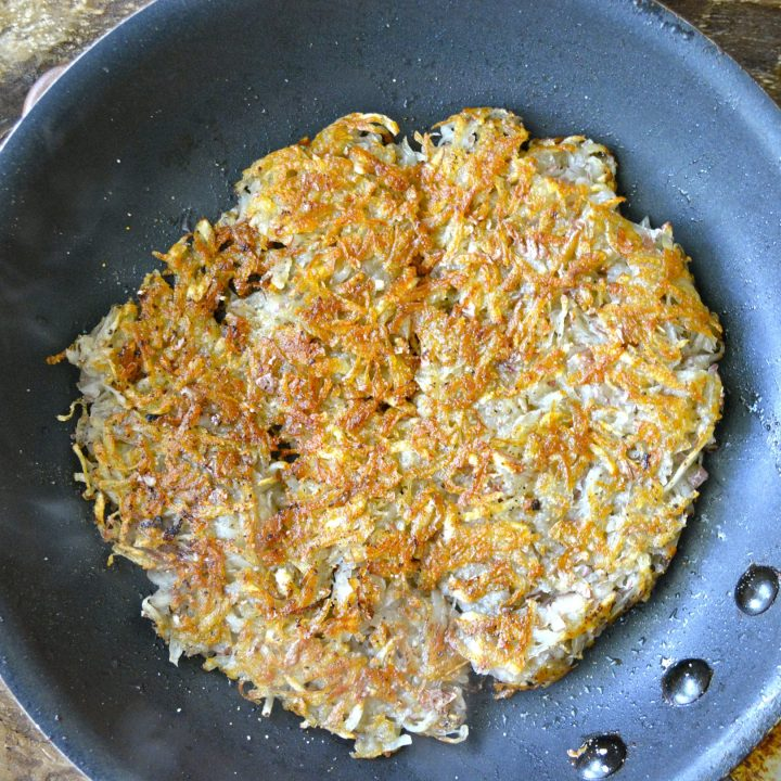 Homemade Hash Browns, perfectly crispy hash browns from scratch!