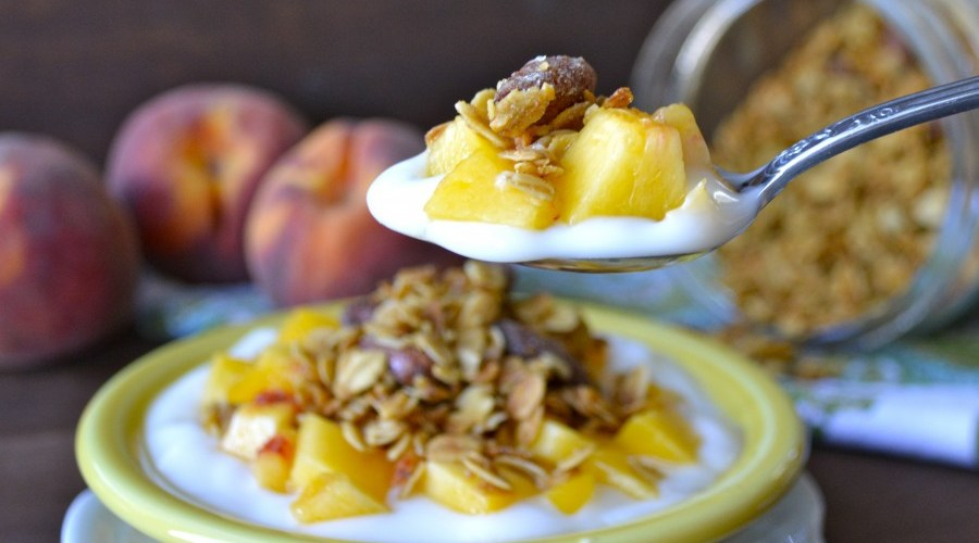 Honey Vanilla Almond Granola, healthy and delicious!