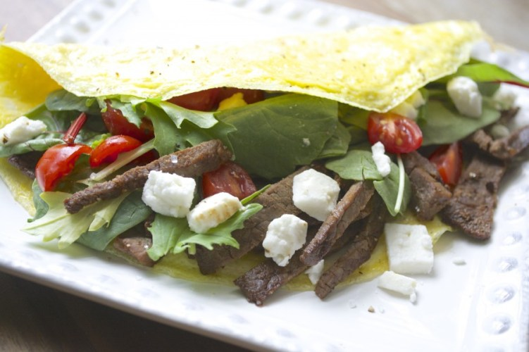 Steak & Feta Power Omelet, a super filling breakfast to help you power through the day! www.maebells.com