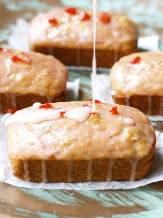 Gluten Free Strawberry Lemonade Bread! Delightfully sweet and tangy! www.maebells.com