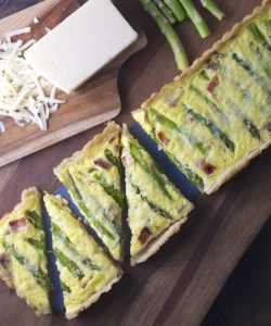 Asparagus White Cheddar Quiche, a simple quiche loaded with asparagus, bacon and cheddar!