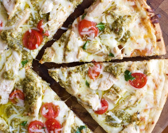Grilled Pesto Chicken Pizza