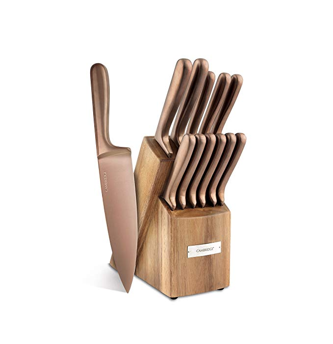 Beautiful and Affordable Copper Kitchen Essentials from Amazon! If you are looking to add a bit of color and interest to your kitchen there is no better way to do it than to add touches of copper. This metal adds old world charm and a cozy touch to any space, no matter what your design is. I've found some of the loveliest kitchen accessories and essentials on Amazon.