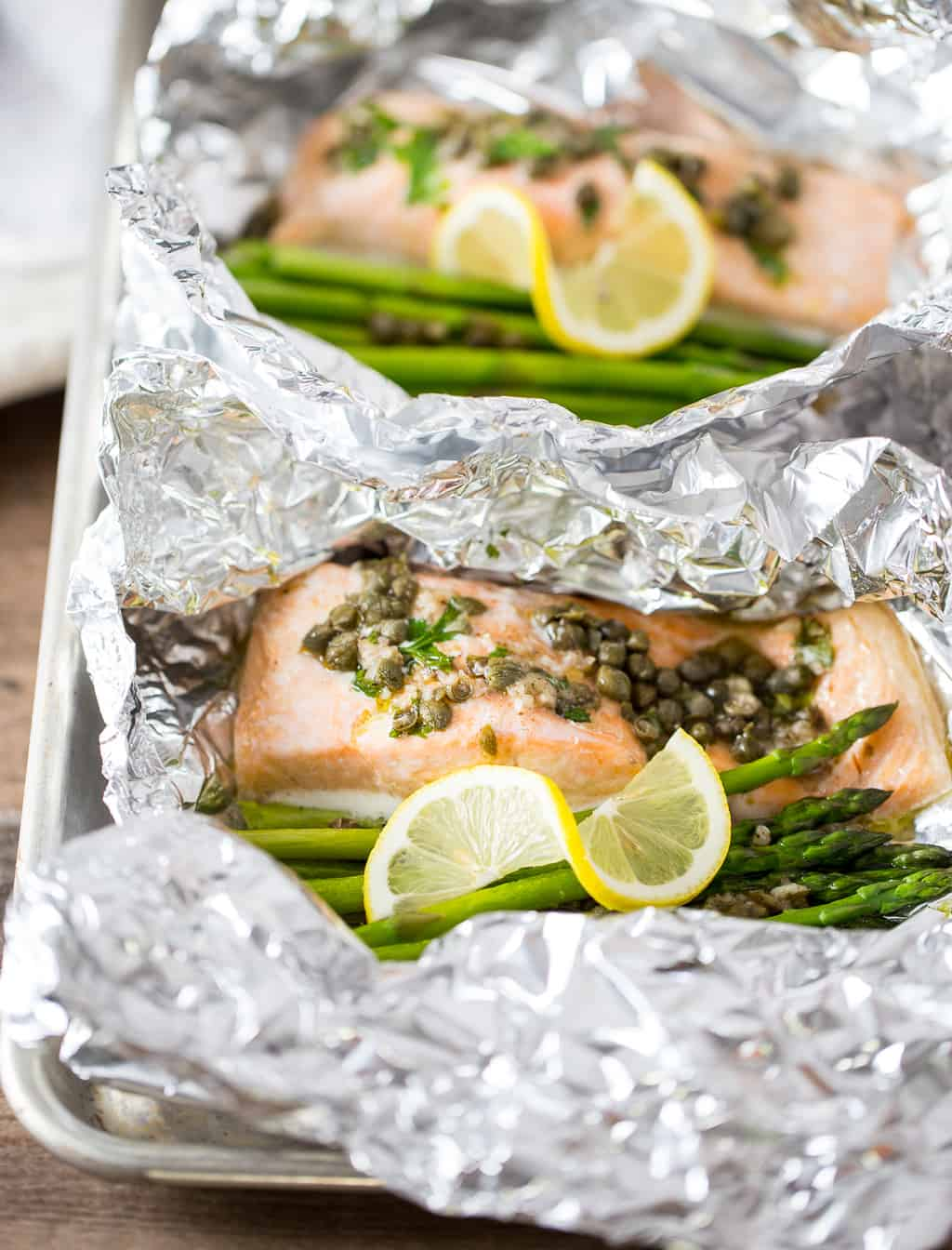 12+ Easy Foil Pack recipes perfect for summer entertaining! What is better than an easy dinner with basically no clean up!