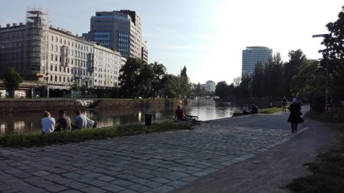 Der Ausblick von der Hafenkneipe Richtung Schwedenplatz
