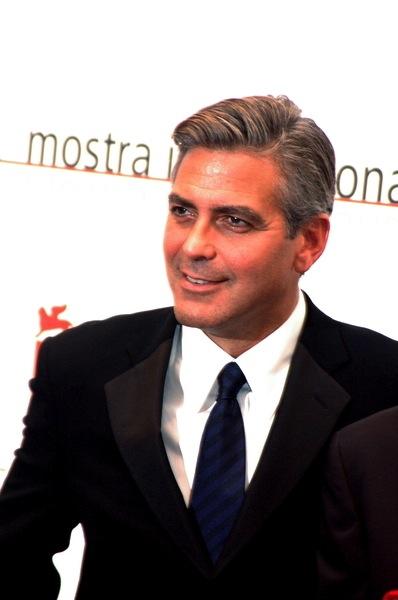 Kurzhaarschnitt Fotos Von George Clooney Männerfrisuren