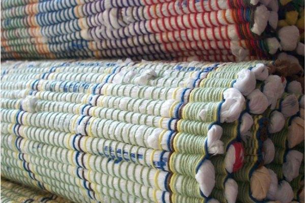 Tag 211: Plastiksack Fleckerlteppich (© Annie)