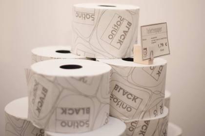 Nicht nur »ohne« Verpackungen –auch das Cradle to Cradle-Toilettenpapier ist frei von Schadstoffen