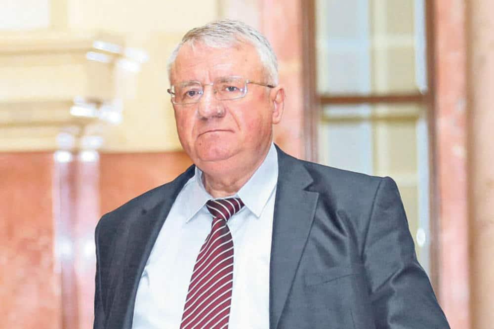 Шешељ со загрижувачки информации: Во тек е план за убиство на српскиот претседател