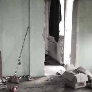 Хорор во зграда во Аеродром - шокантно видео од станот - институциите немаат решение!