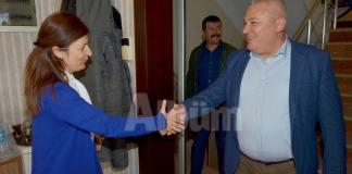 Alanya Gazeteciler Cemiyeti (AGC) Başkanı seçilen Gaye Coşkun'u ilçedeki oda başkanları ziyaret ederek yeni görevinde başarılar diledi.