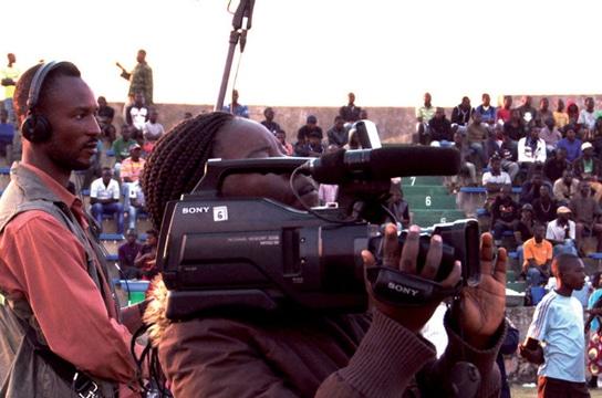"Photo extraite de ""Kolwezi on air"":film sur la Radio Télé Manika(RTMA)."