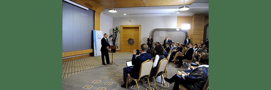 Président russe Poutine lors de cette conférence de presse du 16 novembre 2015, à Antalya.