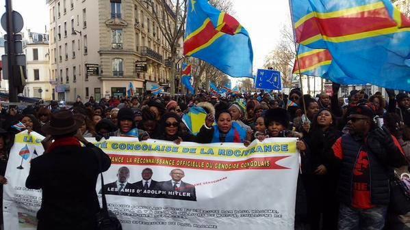 Drapeaux de la RDC,manifestation janvier 2016,Paris: ces marches sont suivies aussi par l'Union Européenne.