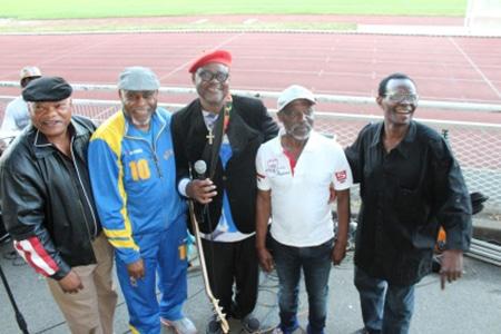 De g. à d. : Jeanpy Wable, Kibonge, Popolipo, Mokili Saio et Seskain Molenga