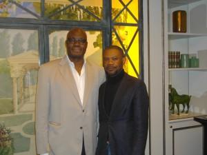 L'homme de culture et le politique Kama Sywor Kamanda et notre reporter d'images Wazule.