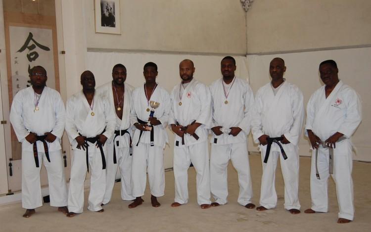 Me Jim avec les autres karatekas