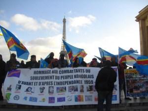 4 janvier 2016,Paris: drapeaux congolais pour les martyrs, interpellation aussi à des politiques belges (Photo Magazine Ngambo Na Ngambo)
