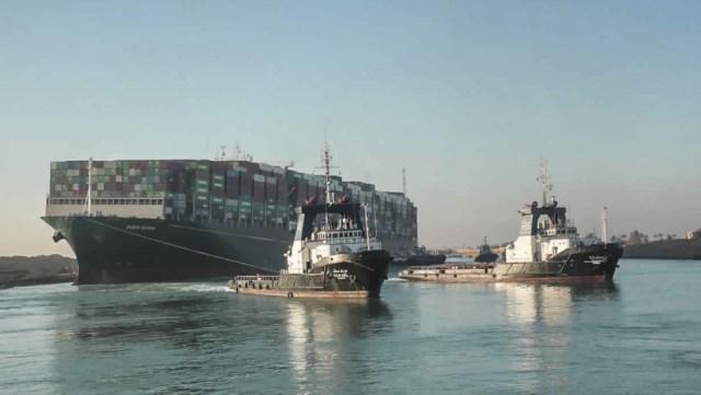 El gigantesco buque, que bloqueó el Canal de Suez, finalmente está libre