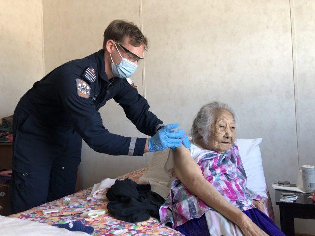 Las comunidades de las Primeras Naciones ven una caída en los casos de COVID-19 luego del lanzamiento exitoso de la vacuna