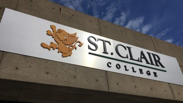 St. Clair College exigirá vacunación a estudiantes residentes del campus y deportistas