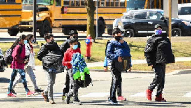 Toronto Public Health identifica casos de COVID en tres escuelas