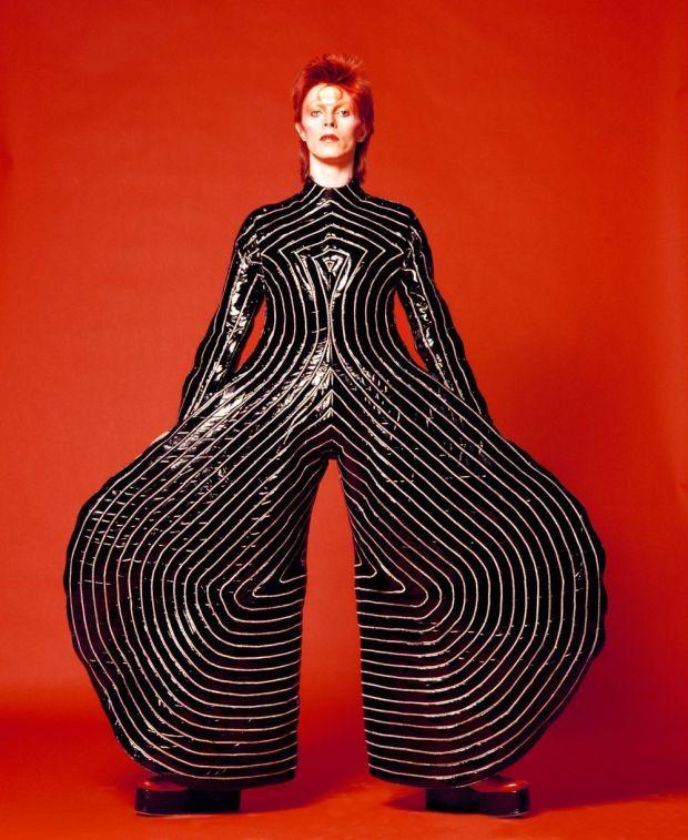MagaZinema - Striped-bodysuit-for-Aladdin-Sane-tour-1973