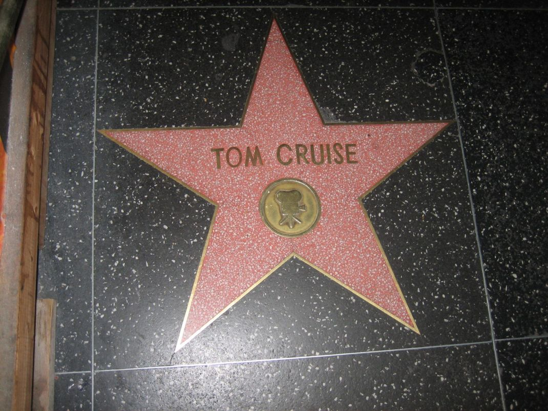 Tom Cruise - MagaZinema