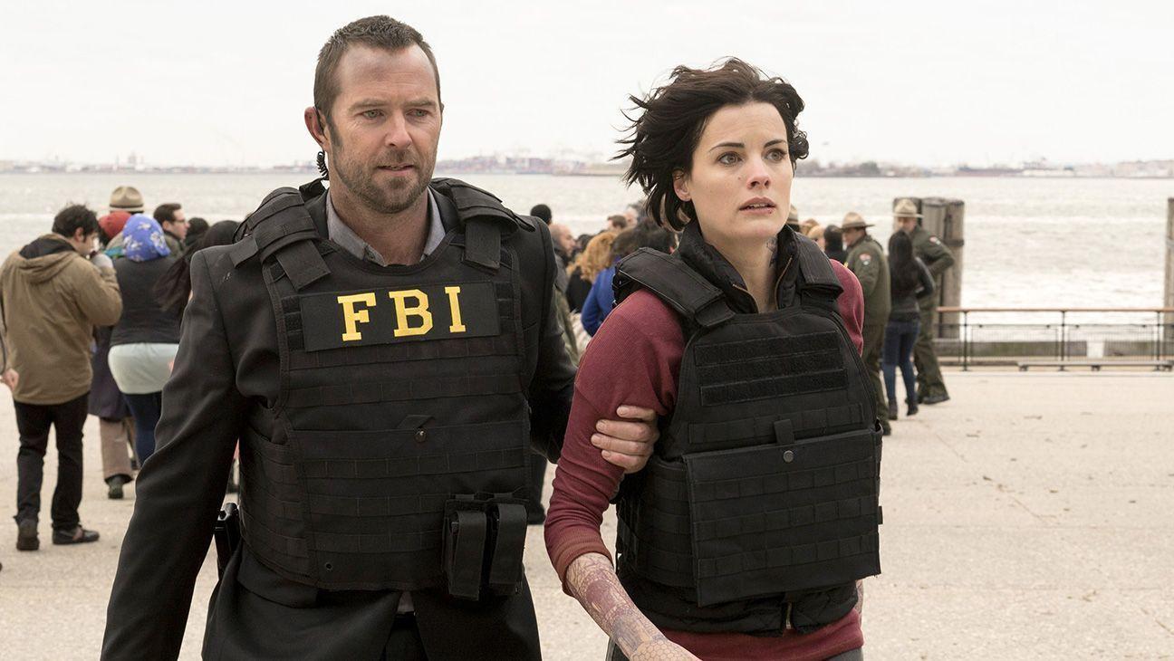 "BLINDSPOT -- ""Pilot"" -- Pictured: (l-r) Sullivan Stapleton as Kurt Weller, Jaimie Alexander as Jane Doe -- (Photo by: Virginia Sherwood/NBC)"