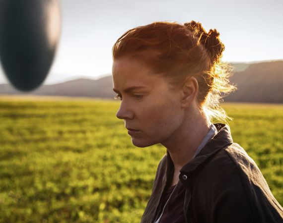 amy-adams-in-arrival-movie-po