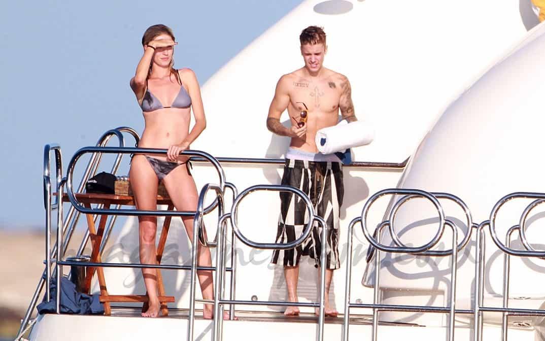 Justin Bieber y Michelle Rodrguez en Ibiza