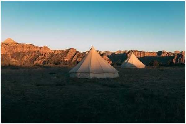 Bright Camping