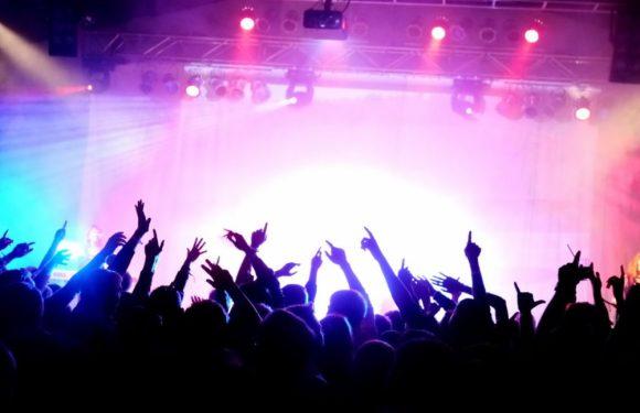 Ce reguli aduce suspendarea dreptului de a organiza evenimente și festivaluri?