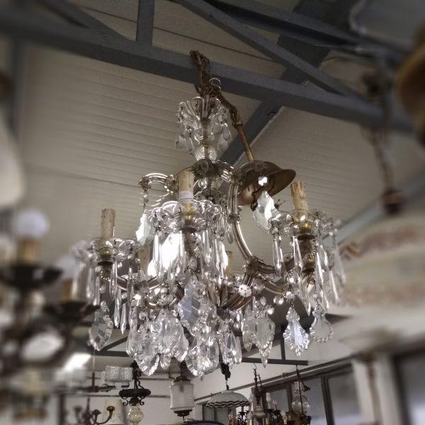 Prestigioso lampadario in cristallo 30 luci, ideale per valorizzare ampia sala o locali di pregio. Lampadario Di Murano Magazzino Dell Usato