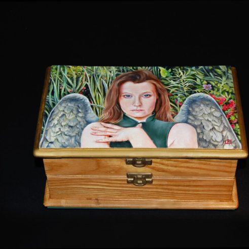 De Engel van de Hoop, houten kistje, 24x14x11cm