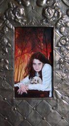 Femme Fatale, olieverf op paneel, 14x29 cm