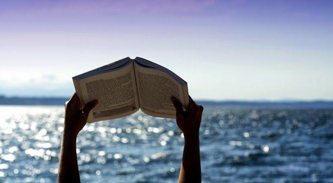książka nad morzem