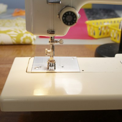 How to sew a zippered pouch.