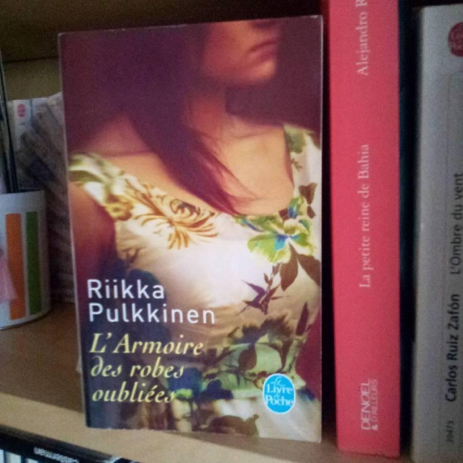 L'Armoire des robes oubliées de Riikka Pulkinen