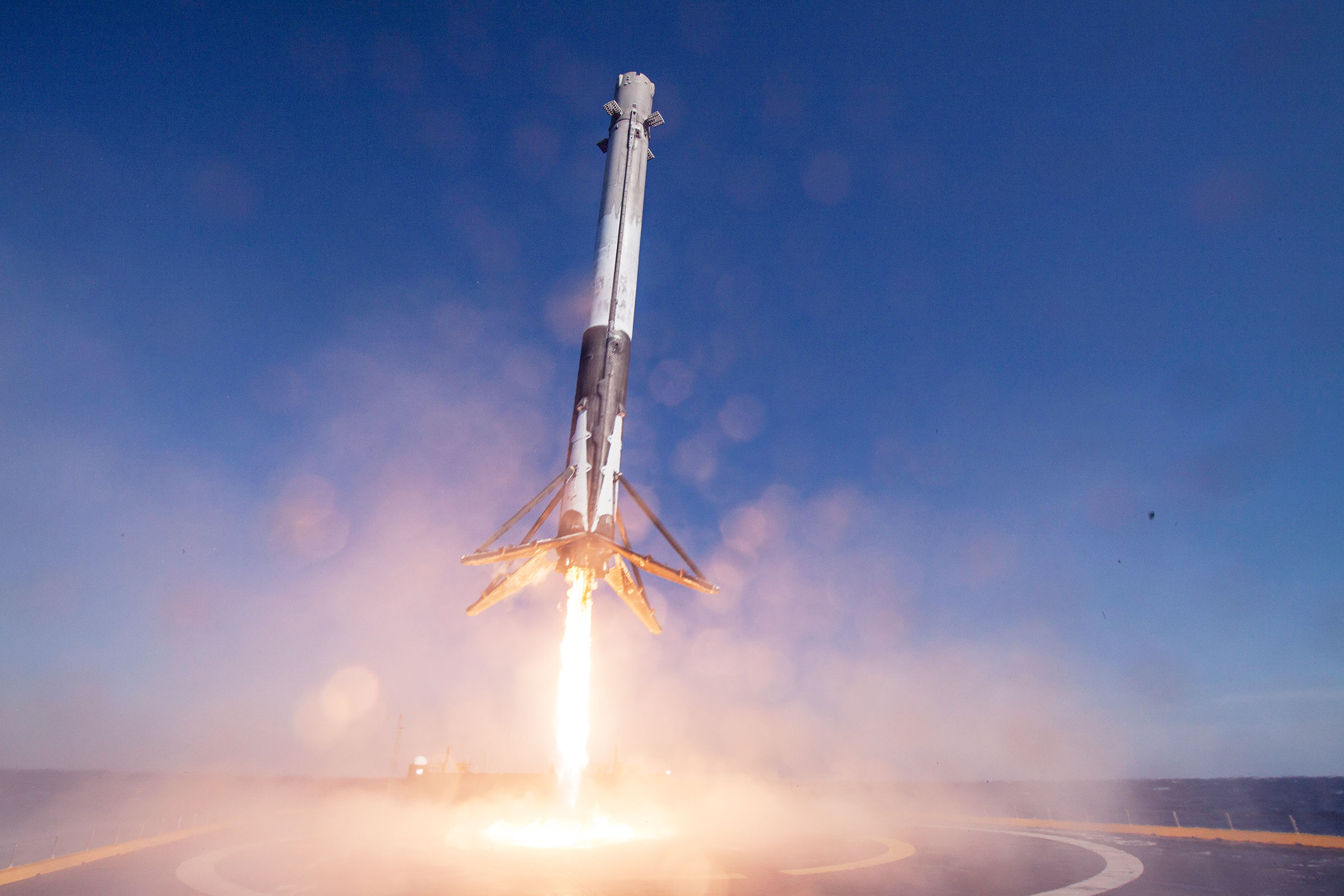 SpaceX Launches IntelSat Broadband Satellite Aimed at