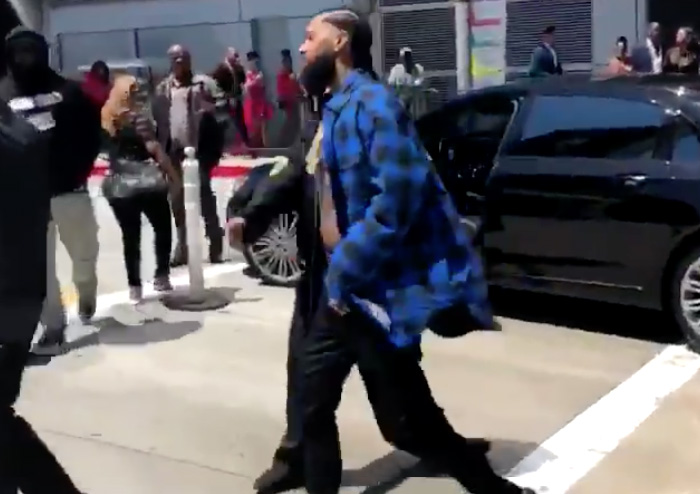 Nipsey Hussle Slaps Man After Argument at BET Awards | Magic