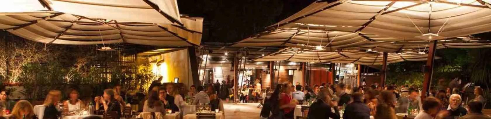 Le escort Roma impazziranno se le porterete a cena in un ristorante all'aperto del quartiere Parioli.