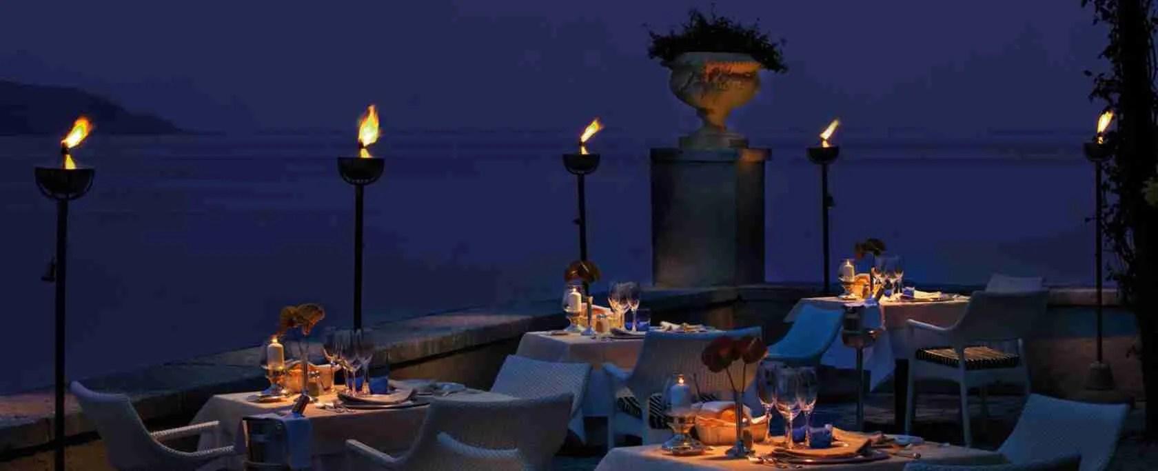 I tanti ristoranti di Brescia o sul Lago di Garda rappresentano il luogo perfetto per una cena romantica a lume di candela.