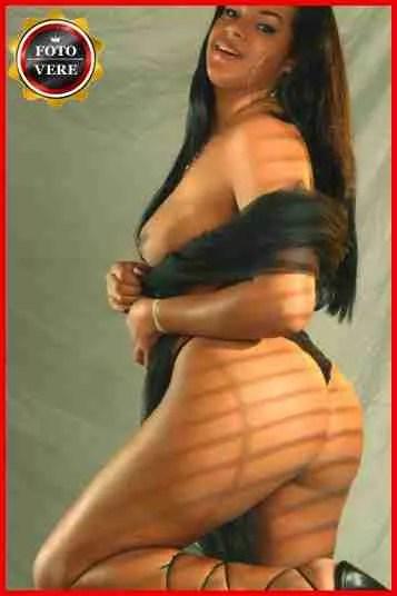 Giulia escort Sorrento ci gratifica con questa foto che mostra un corpo splendido.