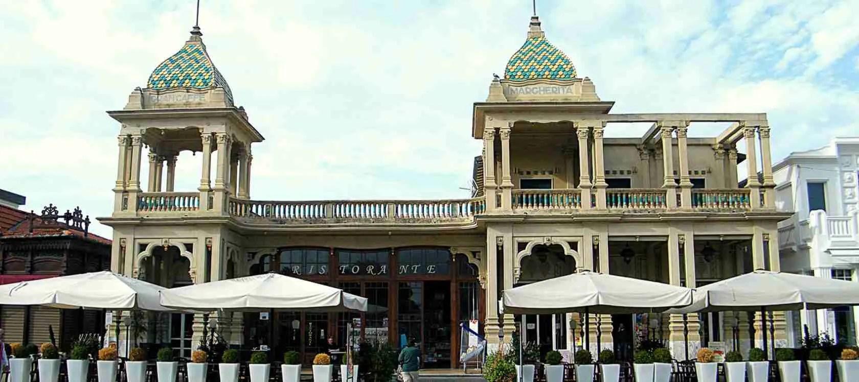 Le escort Viareggio amano il Gran Caffè Margherita di Viareggio, luogo simbolo della località della Versilia. Magica Escort