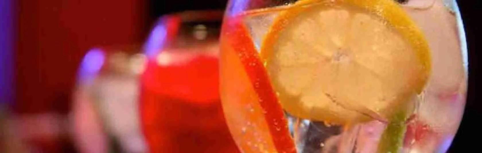 Le escort di Padova adorano lo spritz, l'aperitivo che si beve in città.