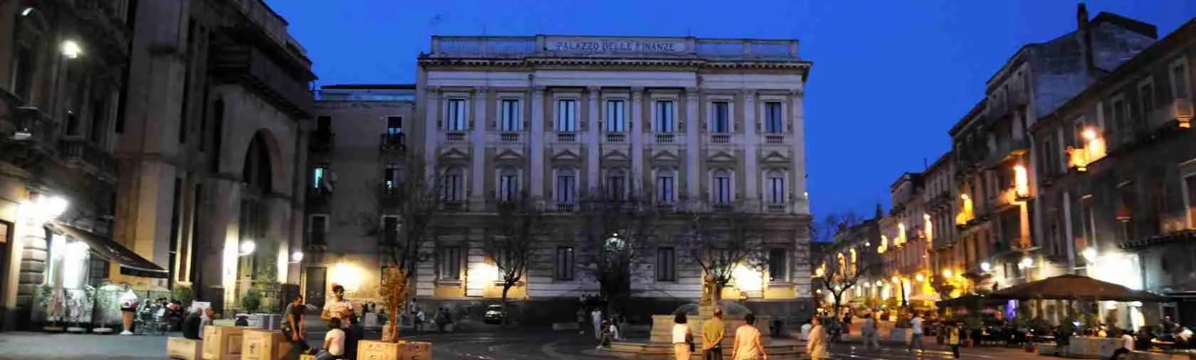 Le top class escort Catania vivono nel centro storico di Catania in zona Piazza Bellini.